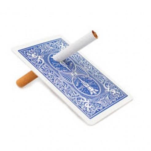 Cigarette à travers la carte